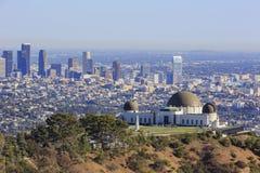 Εικονική παράσταση πόλης απογεύματος του Λος Άντζελες με Griffith το παρατηρητήριο στοκ εικόνα