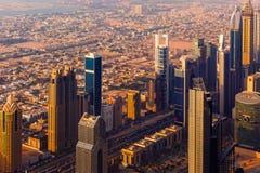 Εικονική παράσταση πόλης ηλιοβασιλέματος του Ντουμπάι άνωθεν Στοκ Εικόνες
