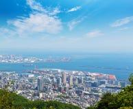 Εικονική παράσταση πόλης και ορίζοντας του Kobe με την άποψη λιμένων από το βουνό Στοκ εικόνα με δικαίωμα ελεύθερης χρήσης