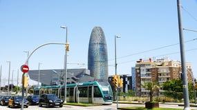 Εικονική παράσταση πόλης με τα σύγχρονα κτήρια και το τραμ Στοκ Εικόνες