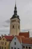 Εικονική παράσταση πόλης με την εκκλησία Niguliste του Άγιου Βασίλη ` kirik στο Ταλίν στοκ εικόνες με δικαίωμα ελεύθερης χρήσης
