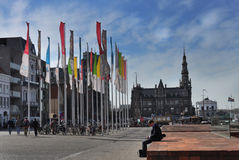 Εικονική παράσταση πόλης με τις σημαίες Στοκ φωτογραφία με δικαίωμα ελεύθερης χρήσης