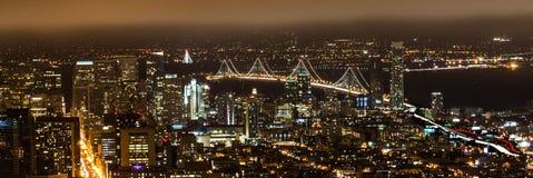 εικονική παράσταση πόλης νύχτας στο Σαν Φρανσίσκο Στοκ Εικόνες