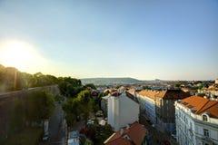 Εικονική παράσταση πόλης της Πράγας στον αργά το απόγευμα ήλιο, Τσεχία Φωτογραφία που λαμβάνεται σε Vysehrad στοκ εικόνες