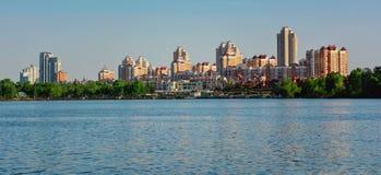 Εικονική παράσταση πόλης του Κίεβου και ποταμός Dnieper, Ουκρανία Στοκ φωτογραφία με δικαίωμα ελεύθερης χρήσης
