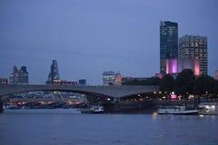Εικονική παράσταση πόλης του Λονδίνου στο λυκόφως Στοκ Εικόνες