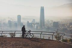 Εικονική παράσταση πόλης του Σαντιάγο de Χιλή στοκ φωτογραφίες