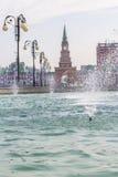 Εικονική παράσταση πόλης υποβάθρου του πύργου και της πηγής Spassky Yoshkar-Ola Στοκ Φωτογραφία