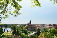 Εικονική παράσταση πόλης Havelberg με τον ποταμό Havel Στο υπόβαθρο το churc Στοκ Εικόνα