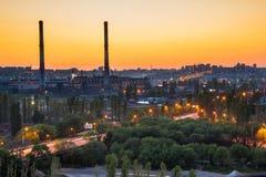 Εικονική παράσταση πόλης Voronezh βραδιού Θερινό ηλιοβασίλεμα στη βιομηχανική περιοχή Στοκ φωτογραφία με δικαίωμα ελεύθερης χρήσης