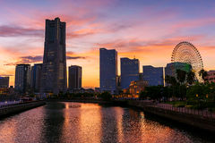Εικονική παράσταση πόλης Yokohama στο σούρουπο σε Minato Mirai Στοκ Εικόνες