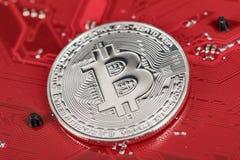 Εικονικό νόμισμα Bitcoin Εμπορικές συναλλαγές με Bitcoin Ο κίνδυνος ένα εικονικό νόμισμα Crypto έννοια υποβάθρου νομίσματος Στοκ Εικόνες