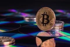 Εικονικό νόμισμα Bitcoin Εμπορικές συναλλαγές με Bitcoin Ο κίνδυνος ένα εικονικό νόμισμα Crypto έννοια υποβάθρου νομίσματος Στοκ εικόνα με δικαίωμα ελεύθερης χρήσης