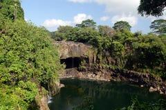 Εικόνα αποθεμάτων των πτώσεων ουράνιων τόξων, μεγάλο Isalnd, Χαβάη Στοκ φωτογραφίες με δικαίωμα ελεύθερης χρήσης