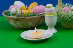 εικόνα αυγών Πάσχας που γίνεται Στοκ εικόνα με δικαίωμα ελεύθερης χρήσης
