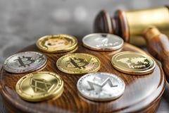 Εικόνα δικαστών νόμου έννοιας για το cryptocurrency στοκ εικόνα με δικαίωμα ελεύθερης χρήσης