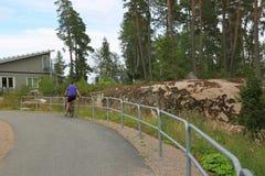 Εικόνα ενός θηλυκού στο ποδήλατο Στοκ φωτογραφία με δικαίωμα ελεύθερης χρήσης