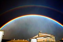 Εικόνα ενός ουράνιου τόξου στο χωριό Στοκ εικόνες με δικαίωμα ελεύθερης χρήσης