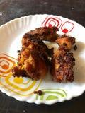 Εικόνα κινηματογραφήσεων σε πρώτο πλάνο των πικάντικων τηγανητών κοτόπουλου του Κεράλα Στοκ φωτογραφίες με δικαίωμα ελεύθερης χρήσης
