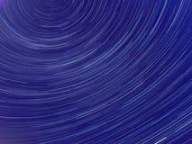 Εικόνα που παρουσιάζει ίχνη αστεριών νυχτερινού ουρανού Στοκ Εικόνες