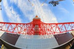 Εικόνα πύργων του Τόκιο στο φακό ματιών ψαριών, Τόκιο, Ιαπωνία Στοκ Εικόνες