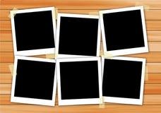 Εικόνα πλαισίων Polaroid στο ξύλο Στοκ εικόνες με δικαίωμα ελεύθερης χρήσης