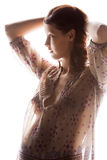 Εικόνα σκιαγραφιών της έγκυου όμορφης γυναίκας Στοκ Φωτογραφία