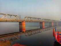 Εικόνα της γέφυρας στον ποταμό Yamuna σε Vishram Ghat, Ματούρα στοκ εικόνες