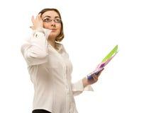 Εικόνα της επιχειρηματία που κρατά τους ζωηρόχρωμους φακέλλους στοκ φωτογραφία με δικαίωμα ελεύθερης χρήσης