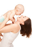 Εικόνα της ευτυχούς μητέρας με το λατρευτό μωρό Στοκ Φωτογραφίες