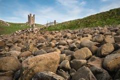Εικόνα τοπίων Dunstanburgh Castle στο coastli της Northumberland Στοκ φωτογραφίες με δικαίωμα ελεύθερης χρήσης