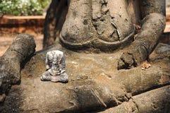 Εικόνα του Βούδα που ραγίζεται Στοκ φωτογραφίες με δικαίωμα ελεύθερης χρήσης