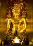 Εικόνα του Βούδα στο ναό της Ταϊλάνδης Στοκ Εικόνες