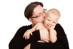 Εικόνα του ευτυχούς πατέρα με ένα μωρό που απομονώνεται Στοκ Εικόνες