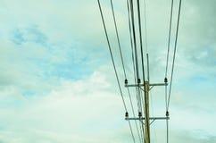 εικόνα του ηλεκτρικού πόλου στοκ εικόνα με δικαίωμα ελεύθερης χρήσης