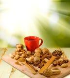 Εικόνα του καφέ και των καρυδιών Στοκ Φωτογραφίες