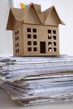 Εικόνα του σπιτιού νέων μοντέλων στο σχέδιο σχεδιαγραμμάτων αρχιτεκτονικής Στοκ Εικόνες