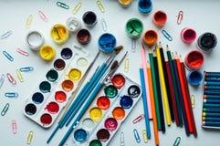 Εικόνα του χρωματισμού γυναικών, ενήλικη τάση βιβλίων χρωματισμού, για την πίεση ρ Στοκ Φωτογραφίες
