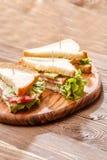 Εικόνα των σάντουιτς με τις οδοντογλυφίδες Στοκ φωτογραφίες με δικαίωμα ελεύθερης χρήσης