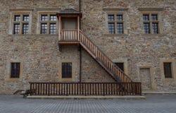 Εικόνα των σκαλοπατιών στο όμορφο κάστρο σε Sanok Στοκ Εικόνες
