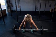Εικόνα χρώματος μιας αθλητικής γυναίκας σε μια επίλυση γυμναστικής Στοκ εικόνα με δικαίωμα ελεύθερης χρήσης