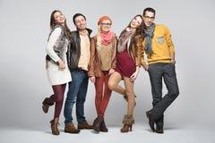 Εικόνα ύφους μόδας των φίλων στοκ φωτογραφία με δικαίωμα ελεύθερης χρήσης