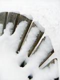 Εικόνα Abstrract της χιονισμένης πλάτης καρεκλών adirondack Στοκ Φωτογραφία