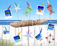 Εικόνες και αντικείμενα θέσεων ταξιδιού που κρεμούν από την παραλία Στοκ εικόνες με δικαίωμα ελεύθερης χρήσης