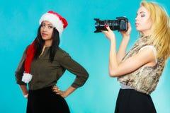 Εικόνες πυροβολισμού κοριτσιών φωτογράφων Στοκ Φωτογραφίες
