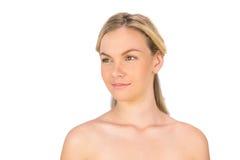 Ειρηνική nude ξανθή τοποθέτηση Στοκ εικόνες με δικαίωμα ελεύθερης χρήσης