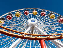 Ειρηνικοί γύροι διασκέδασης πάρκων Santa Monica Pier Στοκ Εικόνα