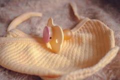 Ειρηνιστής για το μωρό στοκ εικόνα με δικαίωμα ελεύθερης χρήσης