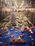 Εισβολή έκθεσης Lego των γιγάντων στοκ εικόνες