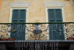 Ειδικά μπαλκόνι, με ένα θαυμάσιο κιγκλίδωμα ενός σπιτιού σε Crema στην επαρχία της Κρεμόνας στη Λομβαρδία (Ιταλία) Στοκ Εικόνες